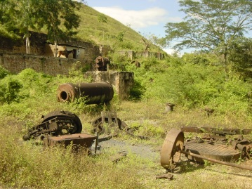 The abandoned San Albino mine, 2007. (photo courtesy of www.sandinorebellion.com)